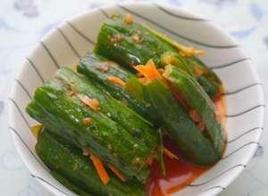 小黃瓜富含纖維素、胡蘿蔔素,有抗氧化、防口角炎等作用。(圖/取自農委會農業兒童網)