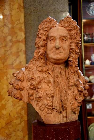 大英博物館的斯隆爵士半身像(Osama Shukir Muhammed Amin FRCP(Glasg)@Wikipedia/CC BY-SA 4.0)