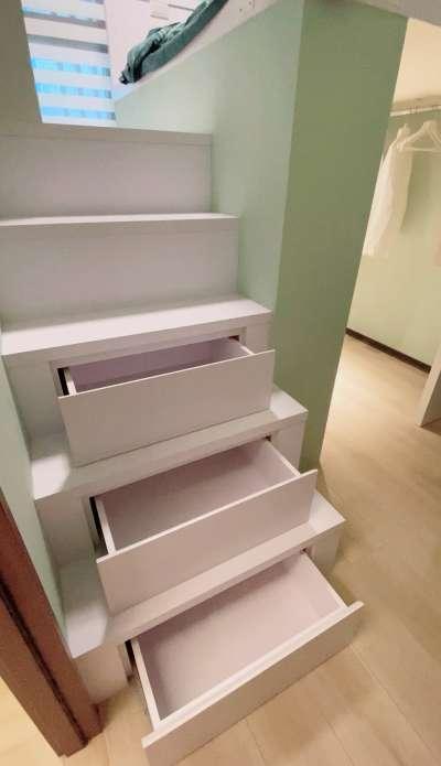 每一層樓梯都可以是一個抽屜,大大增加收納空間。(圖/富比士地產王提供)