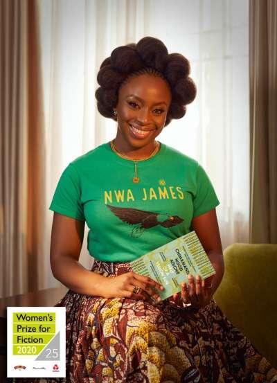 《半輪黃日》描述1960年代奈及利亞內普通男女在暴戾、無情的戰爭面前,如何體現身份、愛情及友誼。(截自Women's prize for fiction FB)