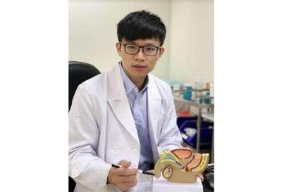 亞東醫院泌尿科醫師鄭百諭表示,臨床上大約有85%的膀胱癌患者會出現無痛性血尿,但也因不會疼痛,病人往往會選擇性忽略而延誤就醫。(圖/亞東醫院)