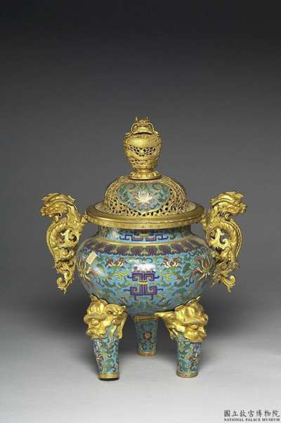 清朝銅琺瑯香爐。(圖/取自研之有物)