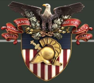 西點的校徽上寫著「責任、榮譽、國家」。(翻攝西點官網)
