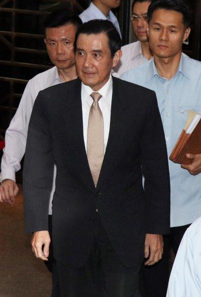 20161108-前總統馬英九首次以被告身分出庭-(蘇仲泓攝)