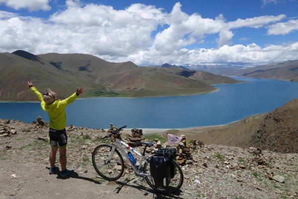迷失在4680公尺高的蔚藍大海,單車穿越世界屋脊