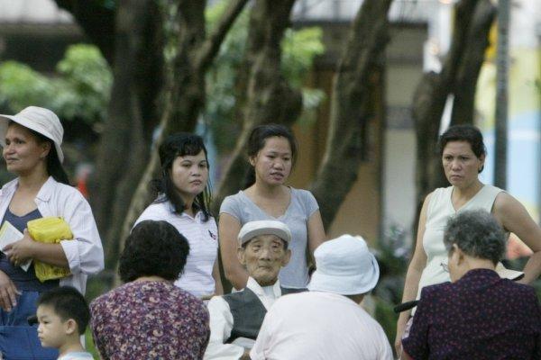 21萬血汗外籍看護工 撐起台灣長照半邊天
