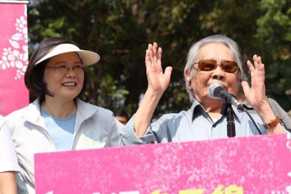 台灣文學之母鍾肇政辭世 蔡英文:我會繼續為台灣文化、客家文化努力