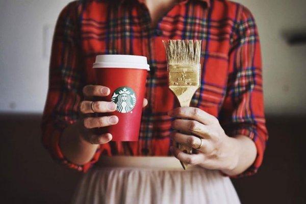 明明只是普通飲料,用這杯子裝就是比較潮…換個包裝,文青們都忙著買單!