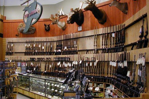 美國槍枝管制爭議未休 維吉尼亞州檢察長宣布緊縮攜槍權