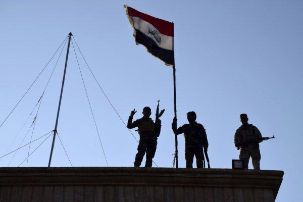 從伊斯蘭國手中成功收復失土 伊拉克總理誓言2016年「讓伊斯蘭國消失」