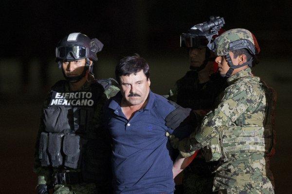 墨西哥頭號毒梟的世紀審判》「矮子」古茲曼手下供稱:前總統收受1億賄賂,協助越獄逃亡