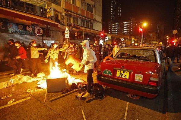 香港旺角衝突後續:警方將調查警員開槍行為