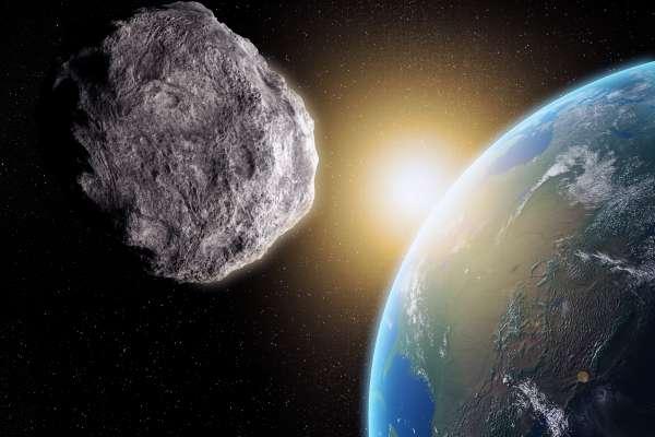 地球人請注意!直徑大於「台北101」的小行星,今早與我們擦肩而過