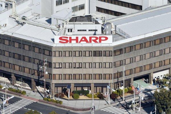 鴻夏戀大結局!鴻海宣布:3888億日圓併購夏普 4月2日正式簽約