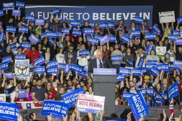 2016美國總統大選》桑德斯輕取西部3州初選 希拉蕊擁超級黨代表票數老神在在