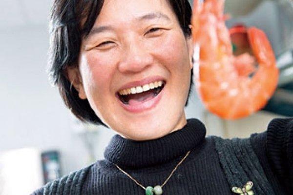 獨創「帝寶級」養殖池  她的蝦貴兩倍