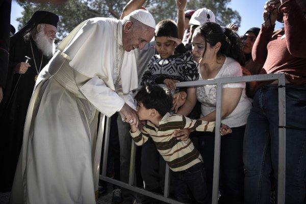 「別讓地中海成為難民的墳場」教宗親自收容12位穆斯林難民
