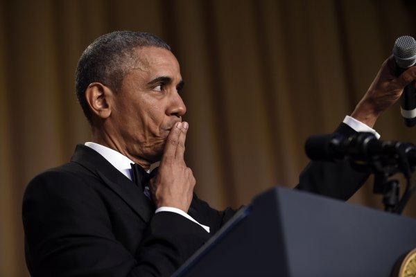任內最後一場白宮記者晚宴 歐巴馬不忘酸川普