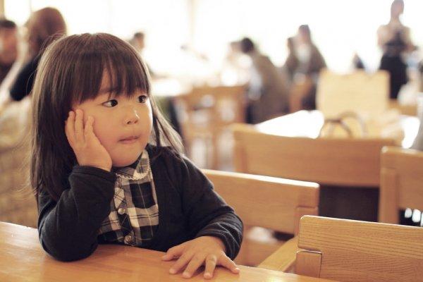 為什麼孩子非得喜歡給別人抱?心理師洪仲清:我不隨便摸別人的小孩!
