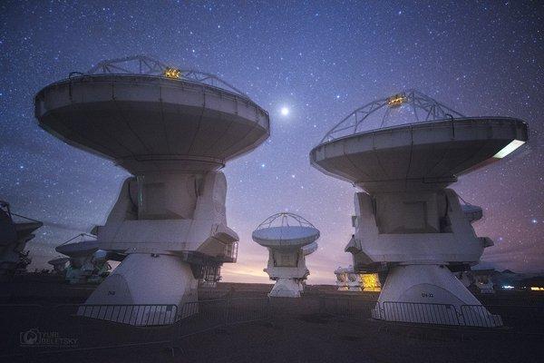 智利高原上的全球最先進無線電望遠鏡 台灣同列觀測計畫