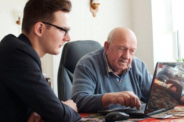 房租好沉重?荷蘭安養院出奇招:每月陪伴老人30小時,就能交換免費住宿