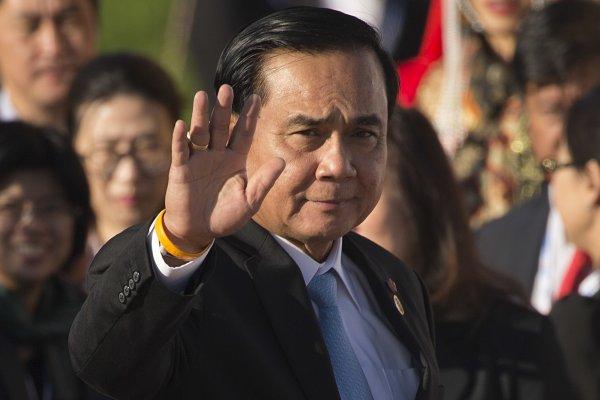 泰國新憲公投在即 泰王蒲美蓬病重 軍政府正當性面臨危機