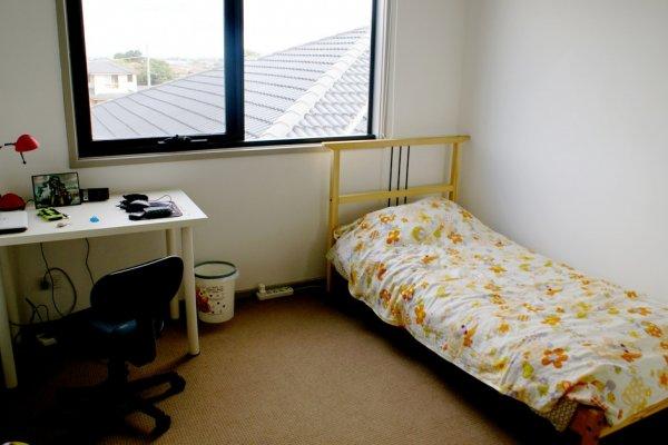 租給大學生的3坪雅房,竟比摩天大樓還貴!年輕租屋族悲歌,到底誰能解決?