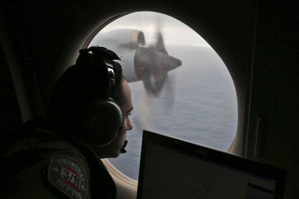馬航MH370客機失蹤懸案》專家研判:駕駛員開著飛機衝向大海
