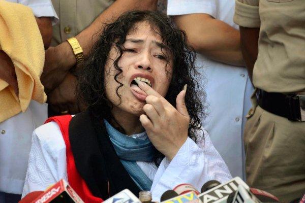 絕食16年!「印度鐵娘子」終於結束抗爭 吃下第一口食物