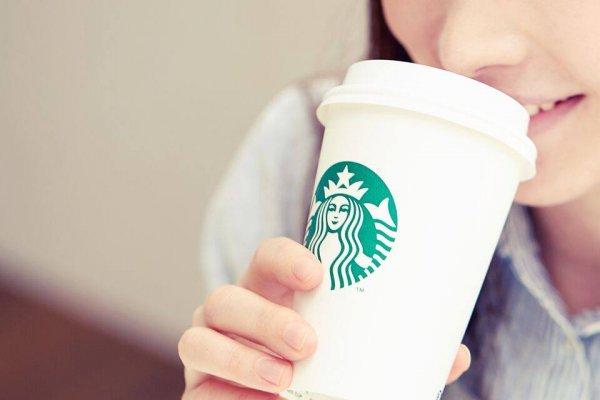 別再用紙杯裝咖啡啦!BBC記者揭連鎖咖啡店最大謊言,你真以為紙杯能回收?