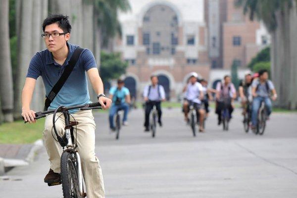中國學生不去「台獨」縣市唸書,大學就要倒光了?數據看台灣競爭力真相