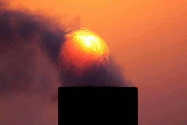 油價反彈,該怎麼布局?股、債、ETF三大標的,投資心法一次看懂