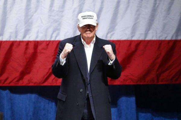 2016美國總統大選》川普團隊試圖緩解各國擔憂