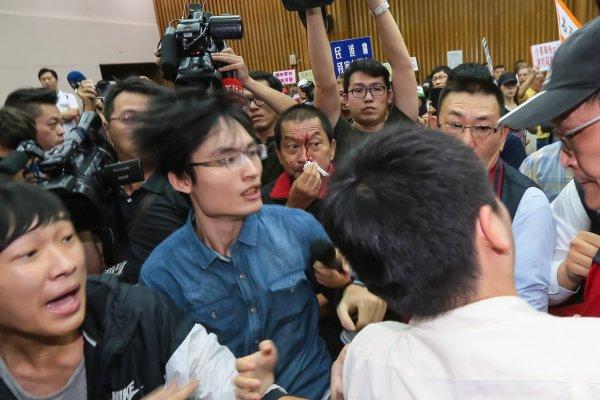 日本食品輸台公聽會》藍營民代強力杯葛 流血衝突中被迫中斷