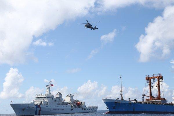 海巡署太平島操演 展人道救援能量