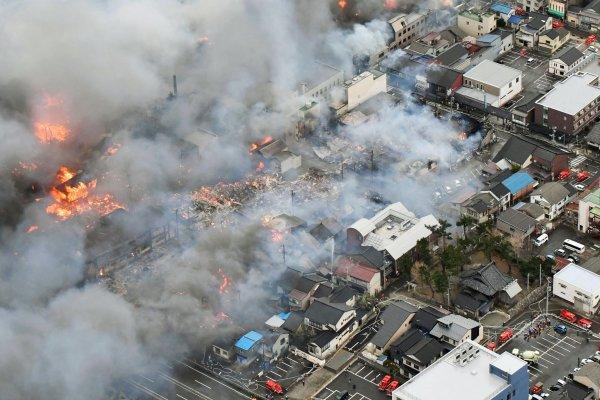 延燒30小時、4萬平方公尺!拉麵店煮湯忘了關火 竟燒出日本20年來最慘重火災