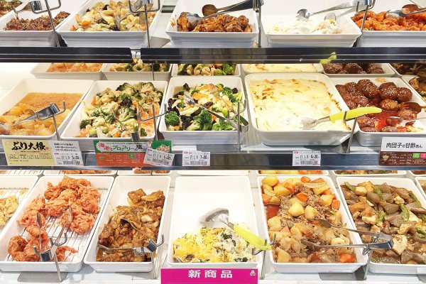 原來日本人都吃這些!造訪24小時人氣連鎖自助餐店,便當、湯麵、飯糰任你選