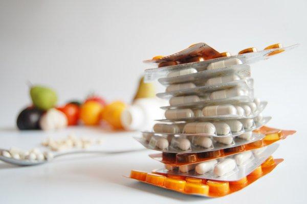 吃錯藥除了白花錢,還越吃病越多!維他命該吃綜合還是單一種,藥師這麼回答…
