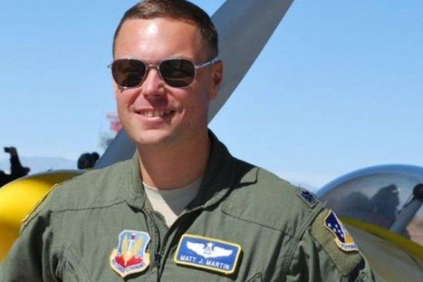 BBC記者來鴻:美軍飛行員「精神分裂」般的生活