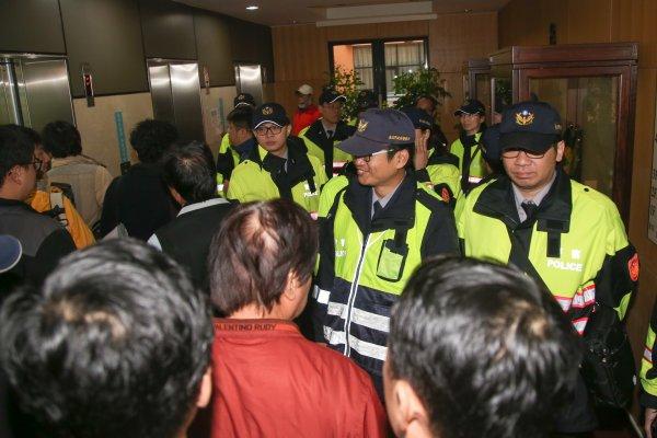 警察超越法官!台灣社會信任度調查 這個行業最不被信任