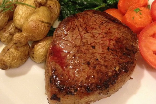 別再只吃菲力和肋眼了!8種被世人忽略「低估」的牛肉切塊,既美味又省錢