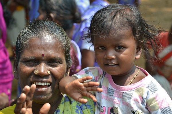 外人難以適應其咖哩味、住處可能突然沒電…為何印度人依然對未來充滿信心?