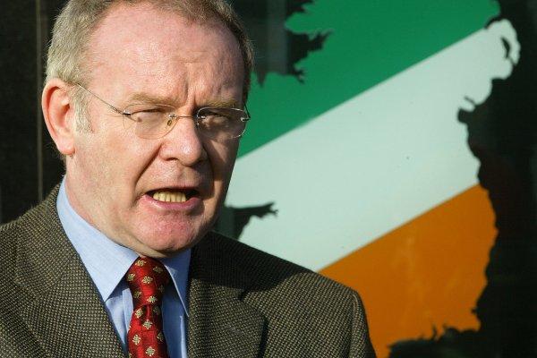 從反叛軍領袖到北愛和平推手 北愛爾蘭前副首席部長麥吉尼斯66歲驟逝