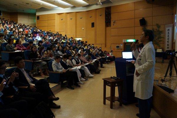 大林慈濟醫院血液透析廔管治療研討會 兩岸交流分享經驗