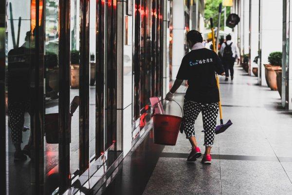 別再說日本是過勞大國了!你知道台灣勞工年工時比日本多385小時嗎?