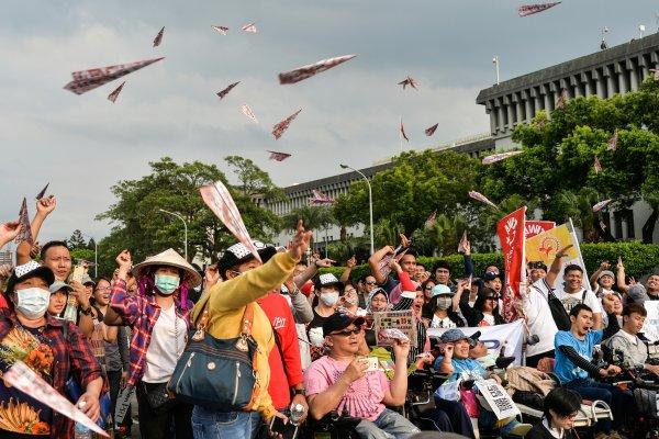 觀點投書:我是一個台灣的低薪白領,想聊聊「低薪外籍白領」爭議