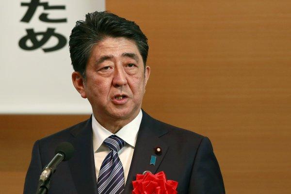 日本要戒嚴了嗎?安倍政府強勢通過超狂法案,聯合國研究員都看不下去!