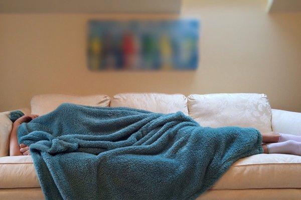 為何人過50歲更容易失眠?醫師提出最專業5點建議,連吃安眠藥也有「眉角」啊