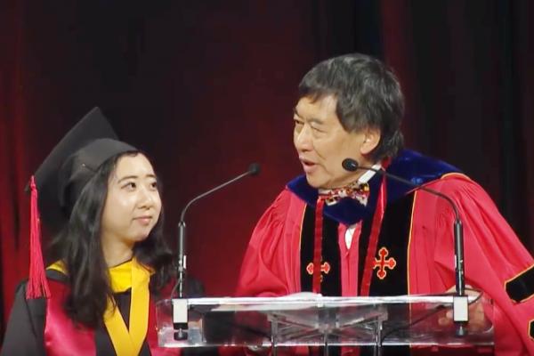 畢業演講大讚美國「新鮮的空氣」,為何讓中國人集體抓狂?一名台灣留學生這樣看