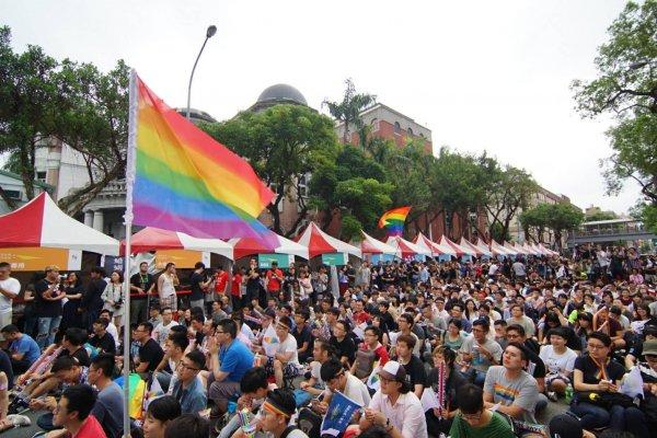政院版同婚專法出爐! 同性伴侶可結婚、繼承 但不得收養無血緣子女